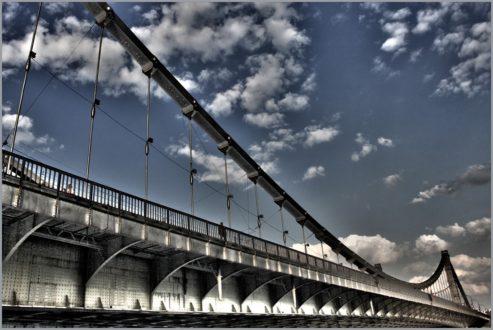 Генподрядчик Крымского моста заявил, что железнодорожная часть объекта запустится в срок В ее строительстве задействованы более 6500 инженеров и рабочих, а также свыше 500 единиц техники