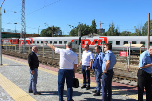 Сергей Меняйло обсудил задачи госнадзора на ж/д транспорте
